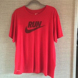 Nike Run The Nike Tee Dri-Fit Size XL